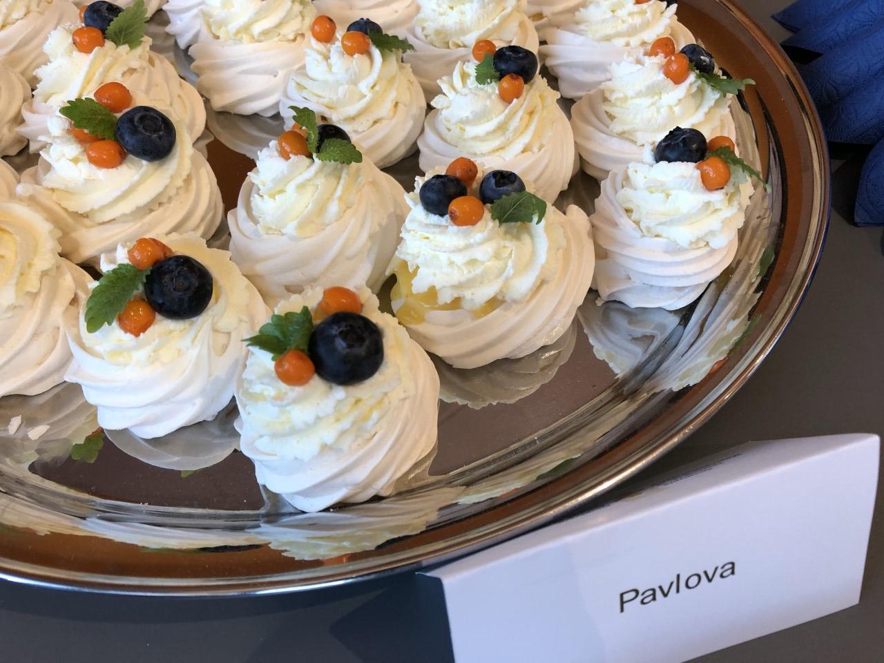 Pavlova kook vaagnal