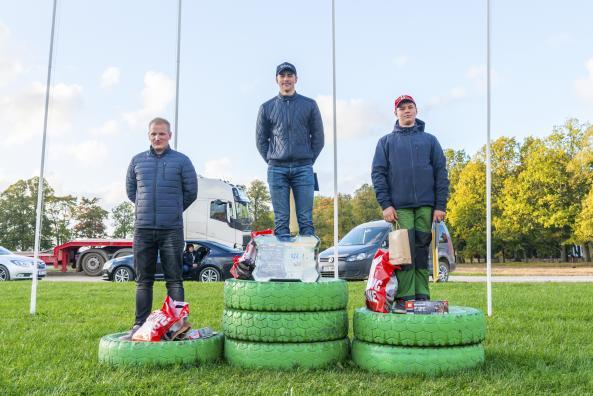 Üldarvestuse võitjad: 1. koht Mark-Hubert Heil, 2. koht Andres Tamm ja 3. koht Keit Uusen.
